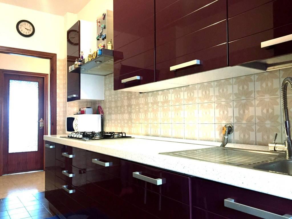 Appartamento in buone condizioni in vendita Rif. 8680870