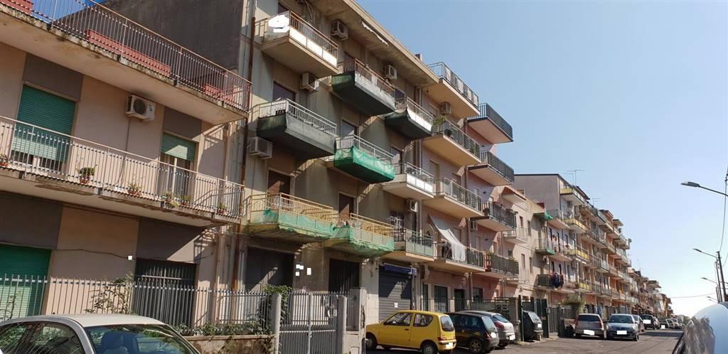 Appartamento in buone condizioni in vendita Rif. 8677983