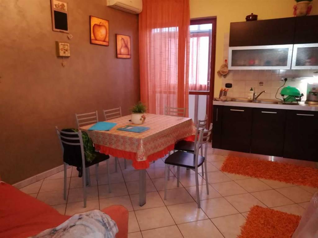 Appartamento in buone condizioni in vendita Rif. 8677985