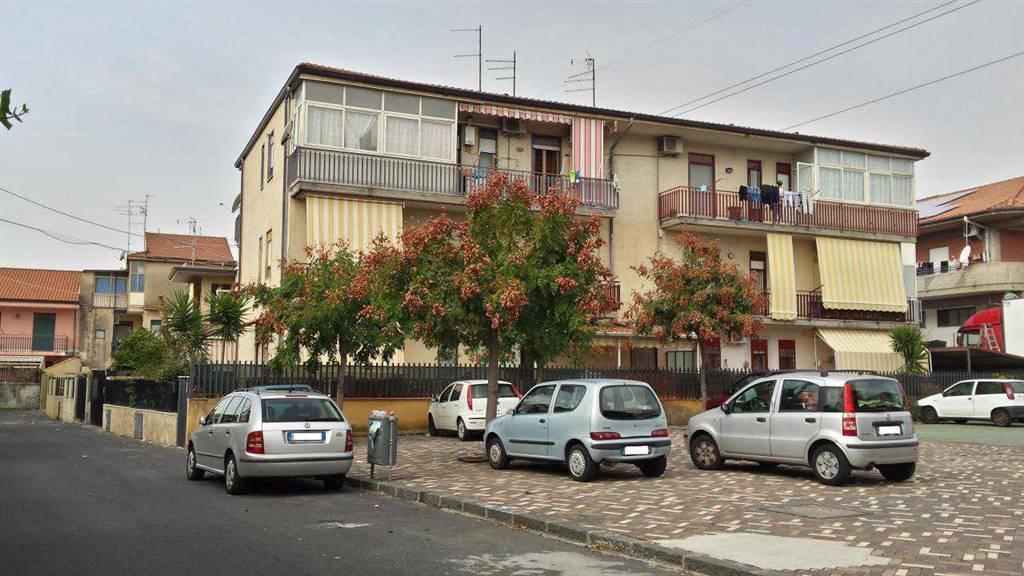 Appartamento in buone condizioni in vendita Rif. 8677988