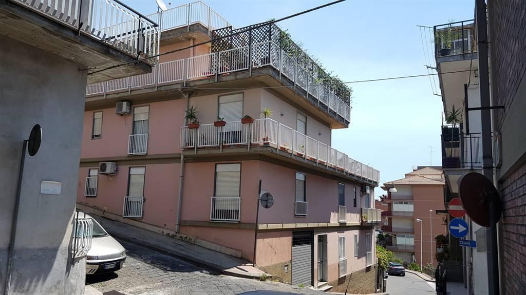 Appartamento in ottime condizioni in vendita Rif. 8677989