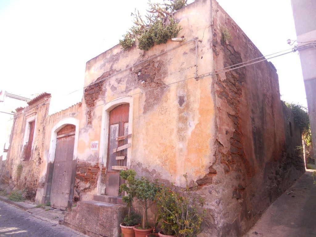 Casa Indipendente da ristrutturare in vendita