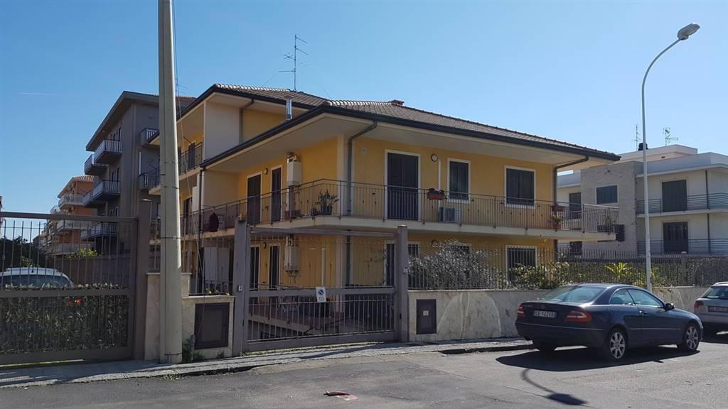 Appartamento in ottime condizioni in vendita Rif. 8677995