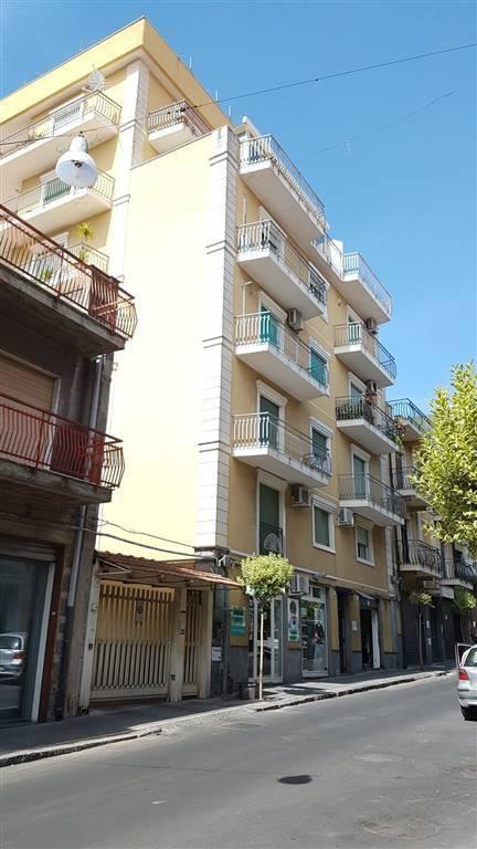 Appartamento in buone condizioni in vendita Rif. 8678006
