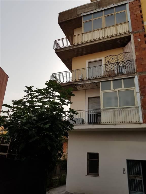 Appartamento da ristrutturare in vendita Rif. 8678007