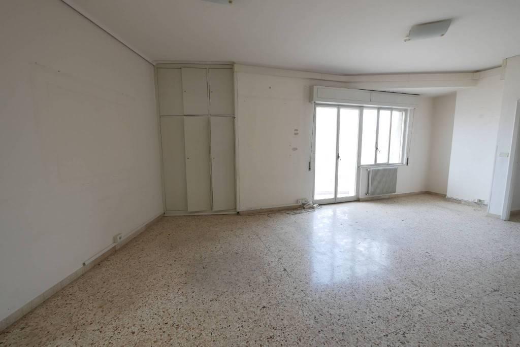 Appartamento in Vendita a Ragusa: 5 locali, 500 mq