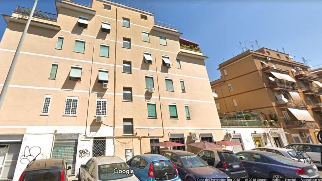 Negozio / Locale in vendita a Roma, 2 locali, zona Zona: 11 . Centocelle, Alessandrino, Collatino, Prenestina, Villa Giordani, prezzo € 85.000   CambioCasa.it