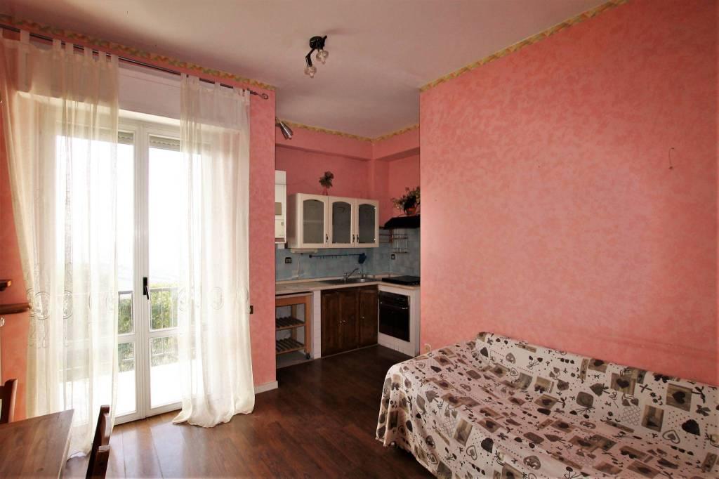 Appartamento di 80 mq con balcone e vista panoramica