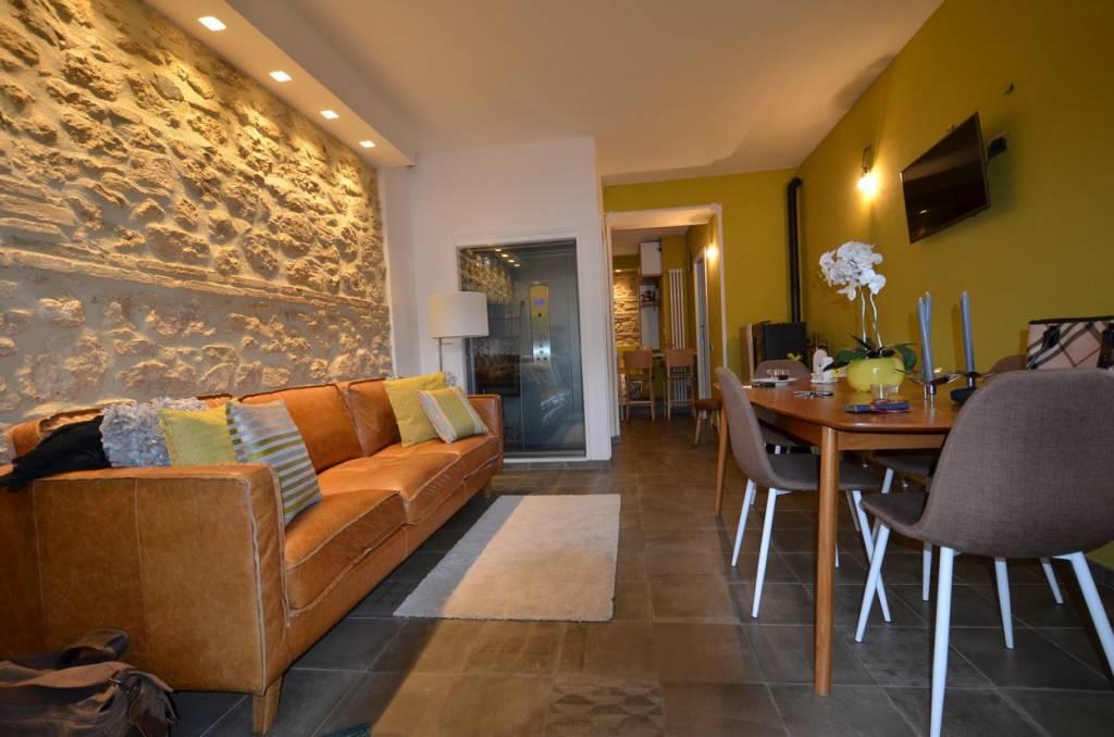 Appartamento in ottime condizioni in vendita Rif. 8676859