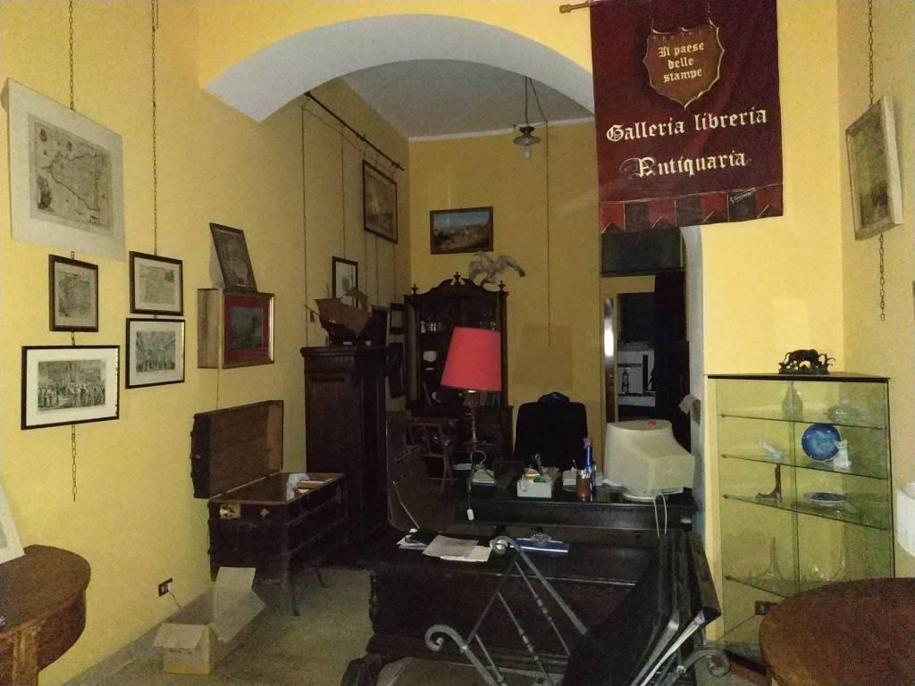 Locale commerciale via camiciotti Rif. 8679175