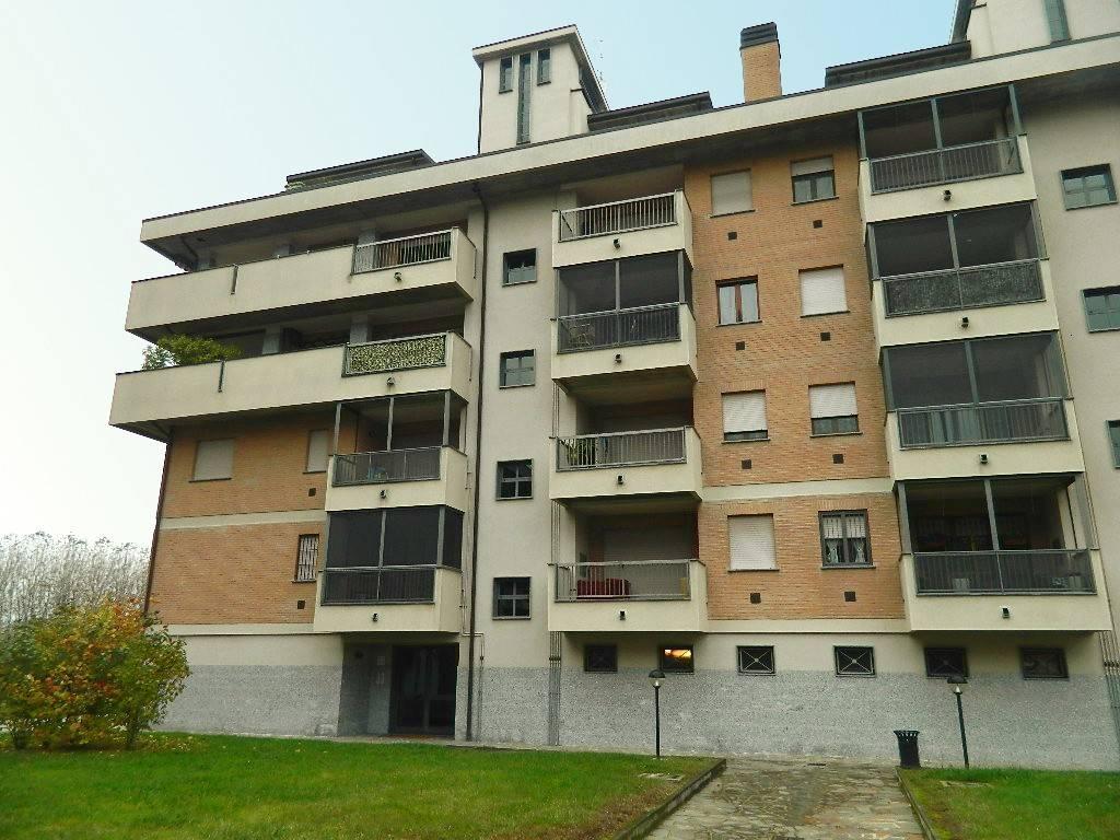 Appartamento in buone condizioni in vendita Rif. 8675996