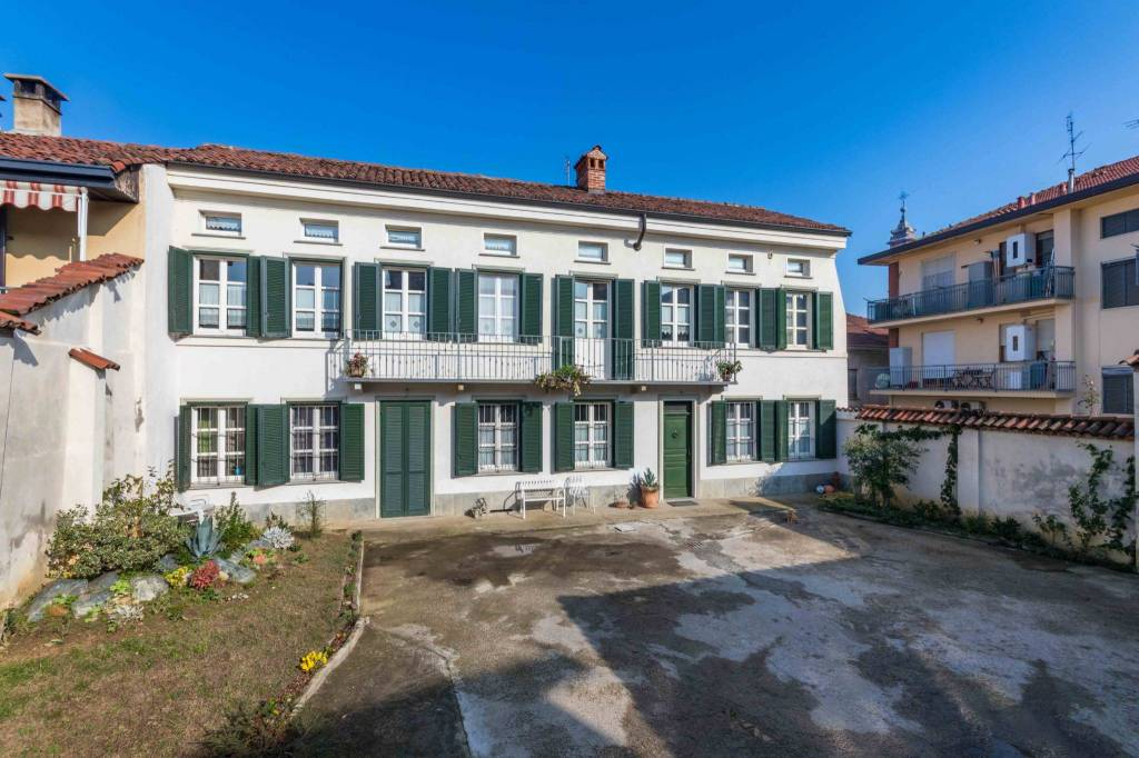 Appartamento in ottime condizioni in vendita Rif. 8692699