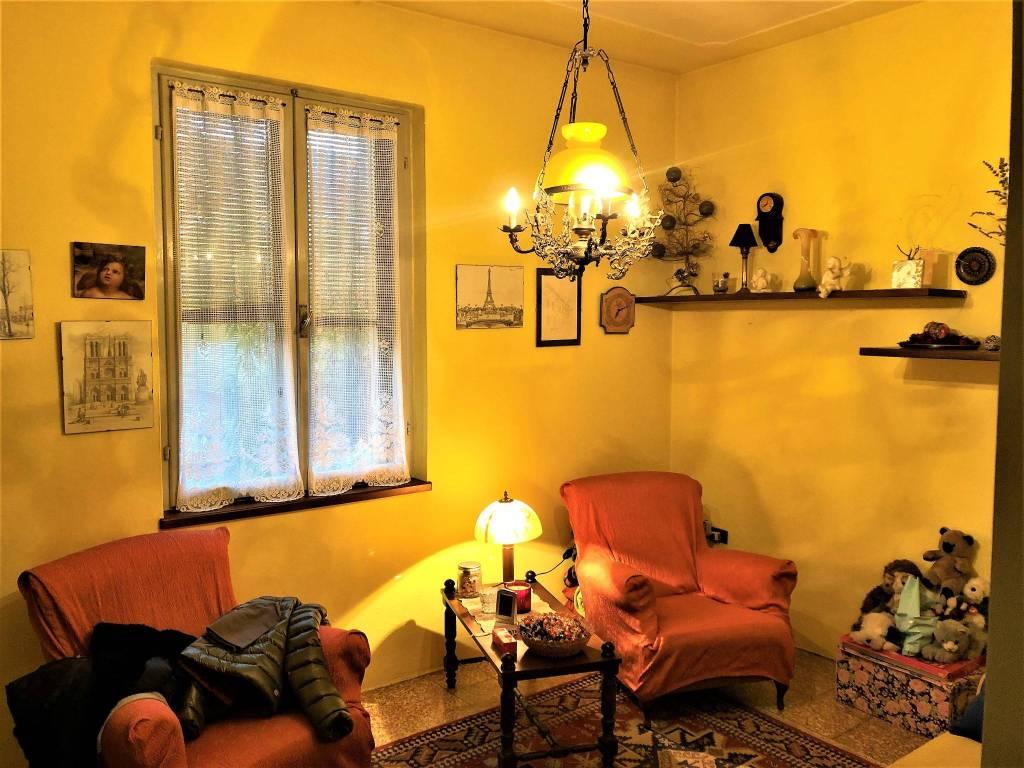 Villa in buone condizioni parzialmente arredato in vendita Rif. 8678679