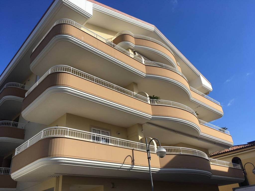 Attico / Mansarda in ottime condizioni arredato in affitto Rif. 8677293