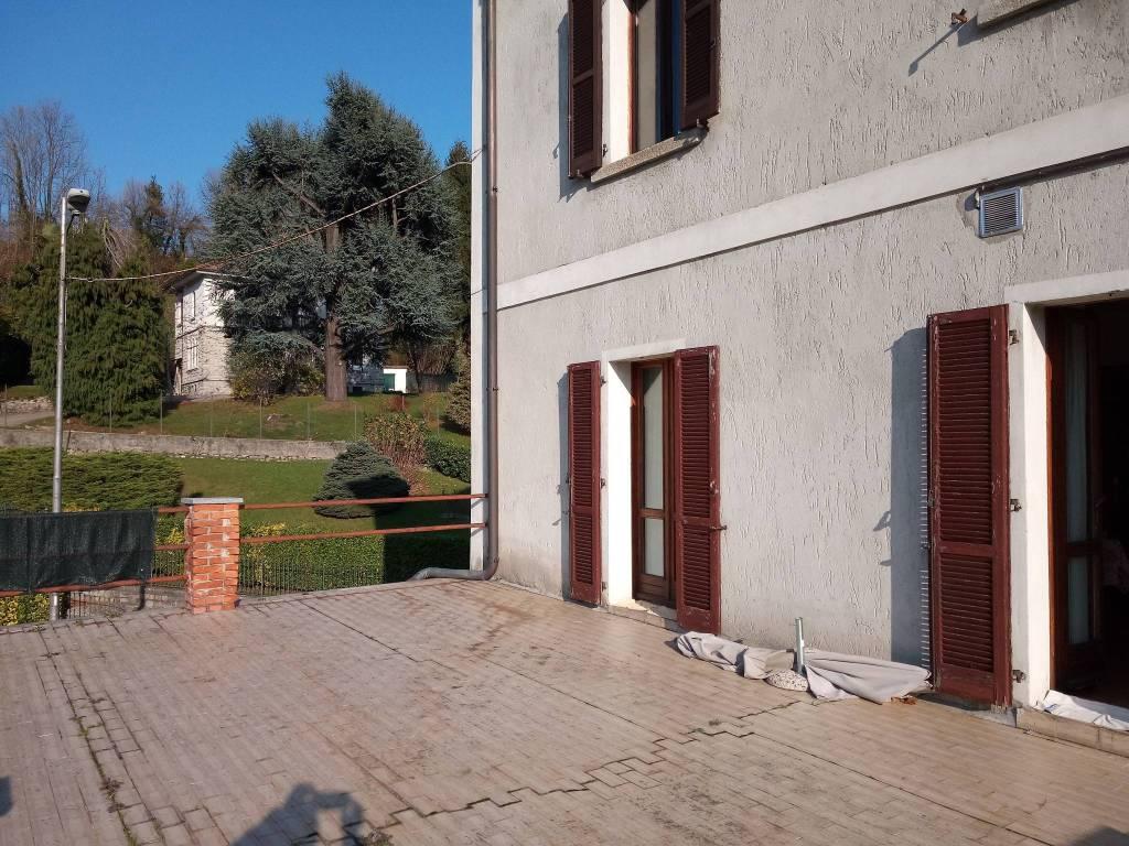 Appartamento in buone condizioni parzialmente arredato in vendita Rif. 8678502