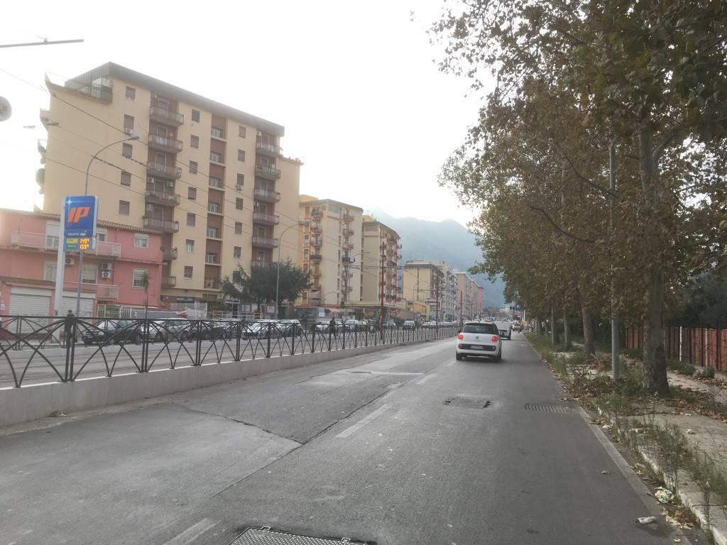Appartamento in Vendita a Palermo Semicentro: 5 locali, 188 mq