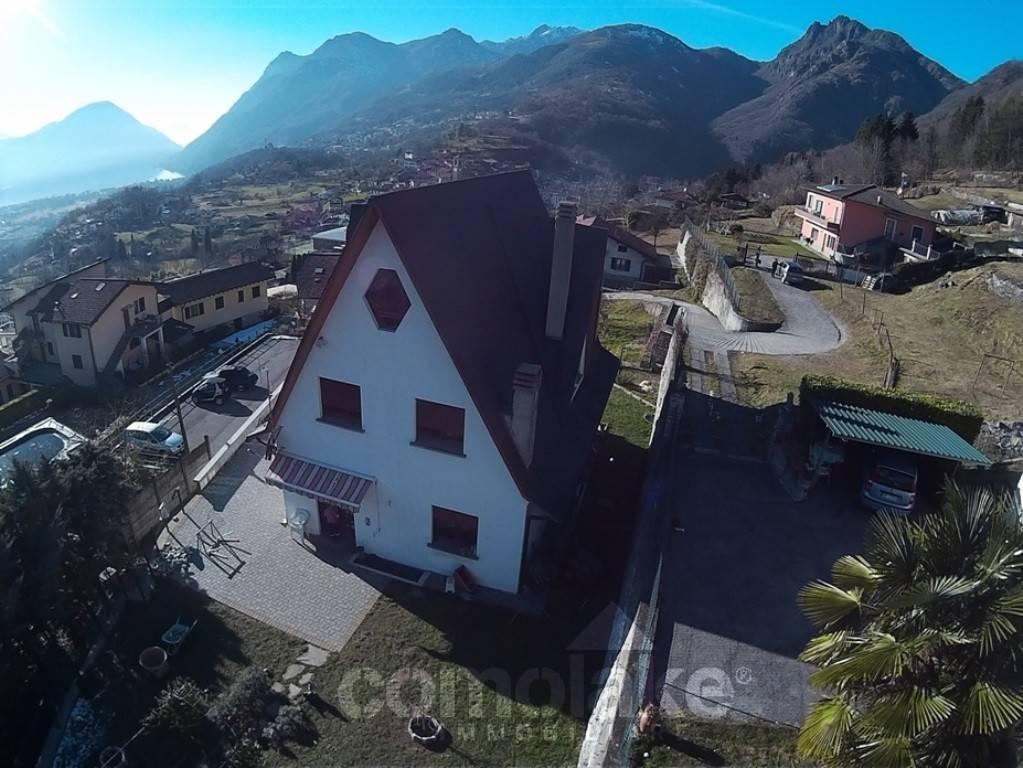 Villa in vendita a Carlazzo, 6 locali, prezzo € 480.000 | PortaleAgenzieImmobiliari.it
