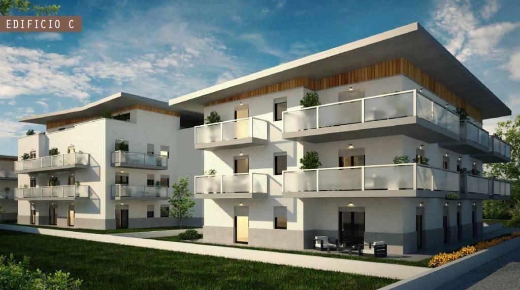Appartamento in ottime condizioni parzialmente arredato in vendita Rif. 8677131