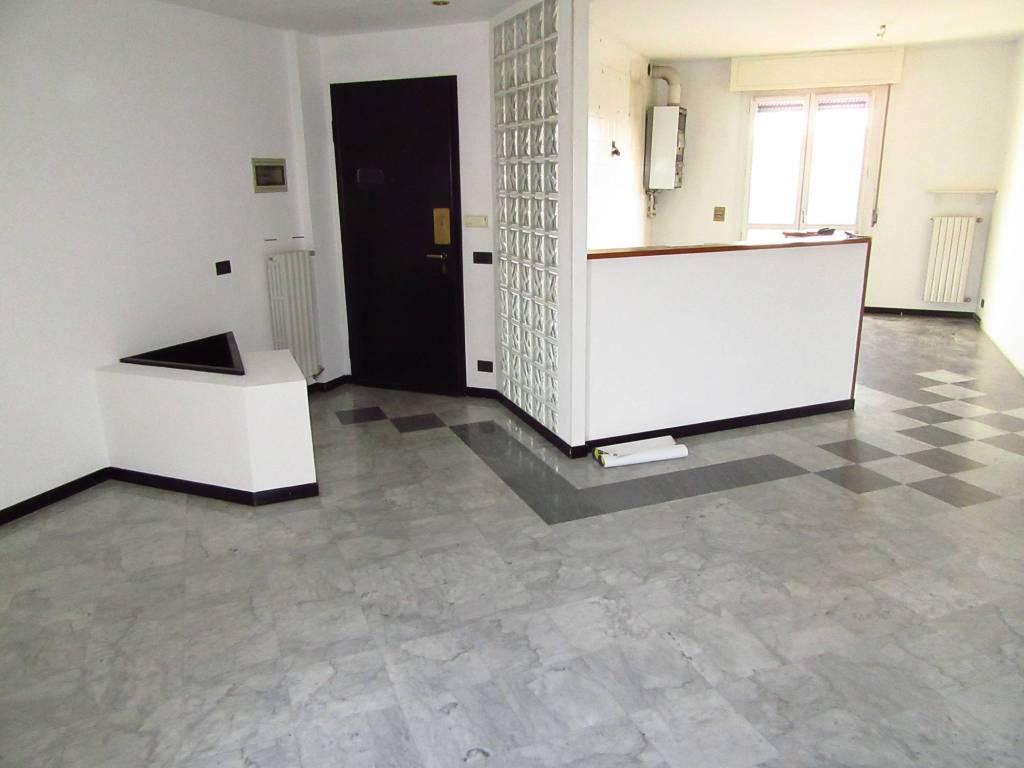 Appartamento in ottime condizioni in vendita Rif. 8675237