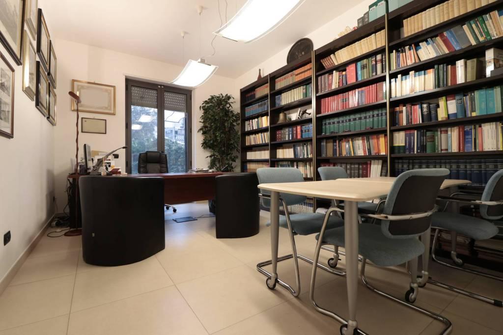 Ufficio/Studio 7 stanze - 200 mq Rif. 8674459