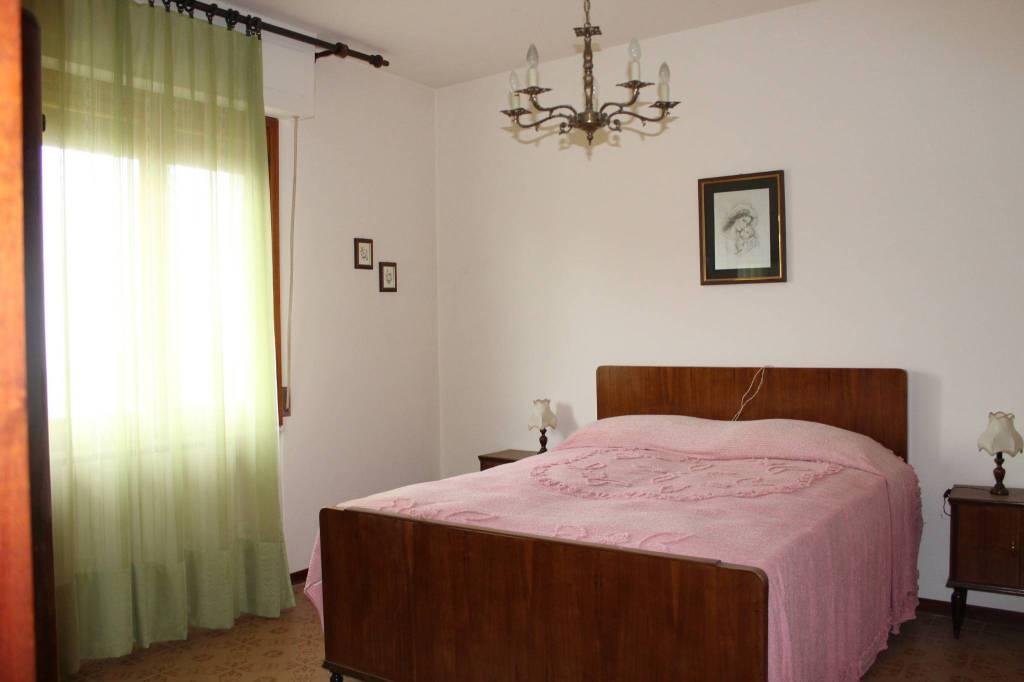 Appartamento in buone condizioni in vendita Rif. 8675274