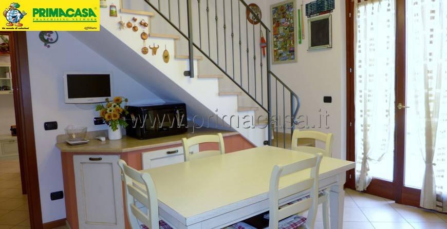 Appartamento in ottime condizioni in vendita Rif. 8677358