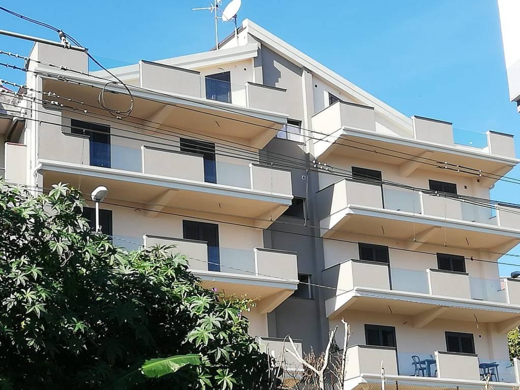 Appartamento in vendita Rif. 8676142