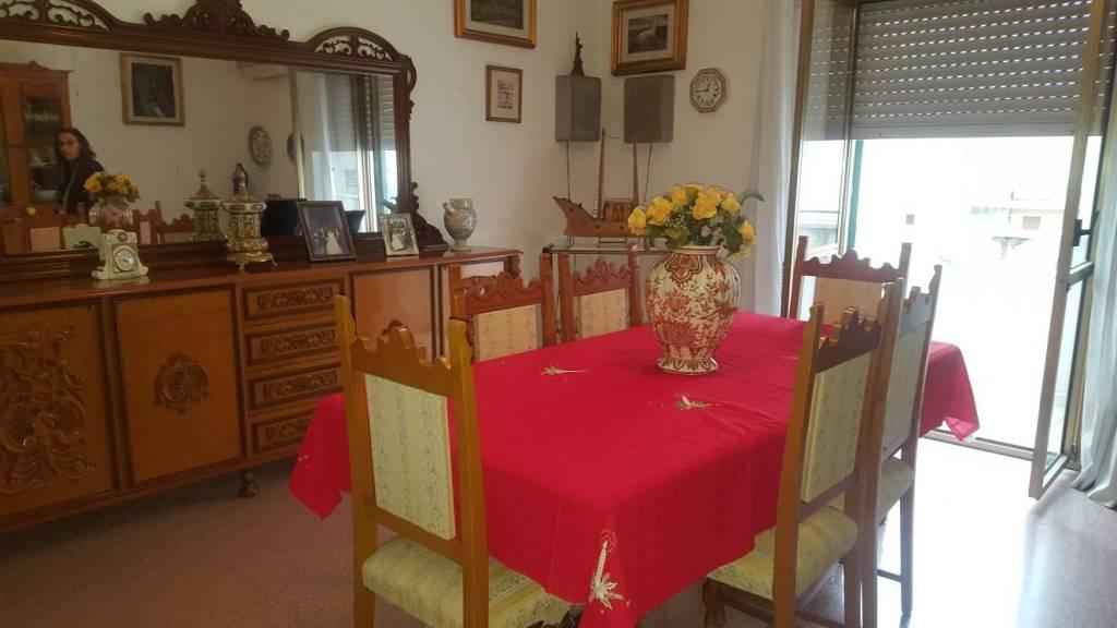 Appartamento in buone condizioni in vendita Rif. 8675750