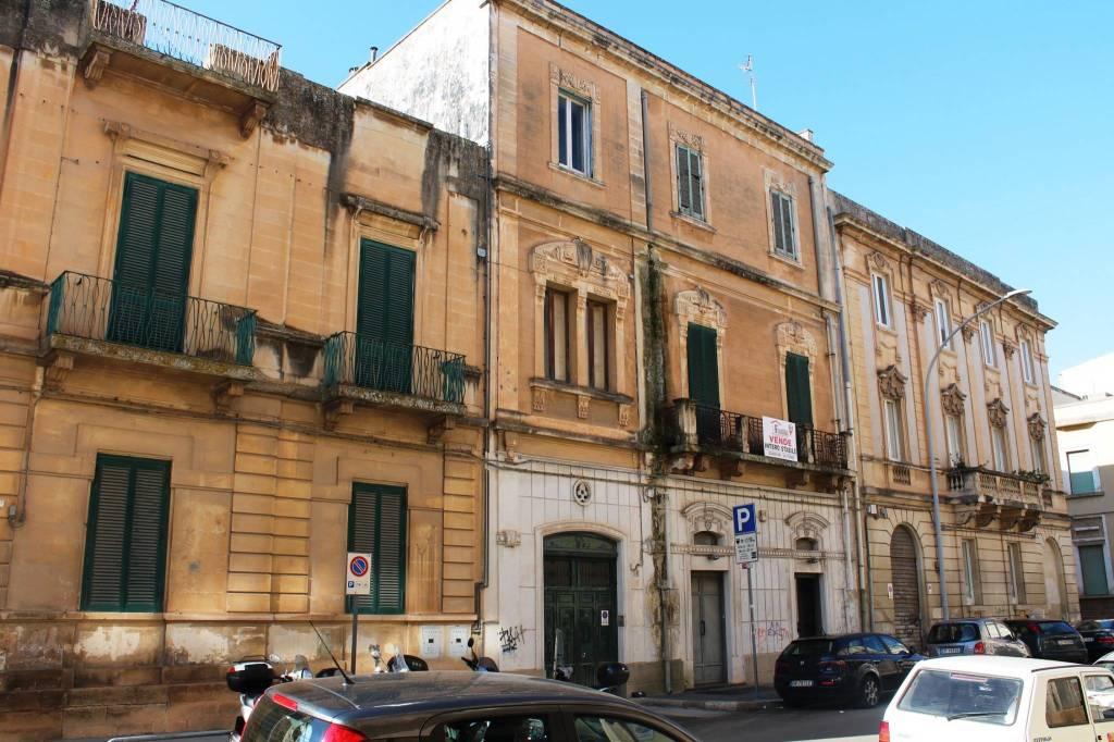 Stabile / Palazzo da ristrutturare in vendita Rif. 8675979
