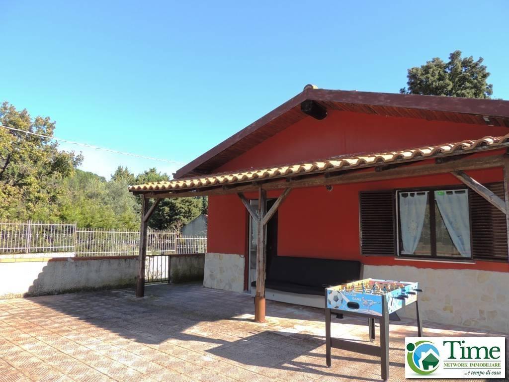 Villa da ristrutturare in vendita Rif. 8676632