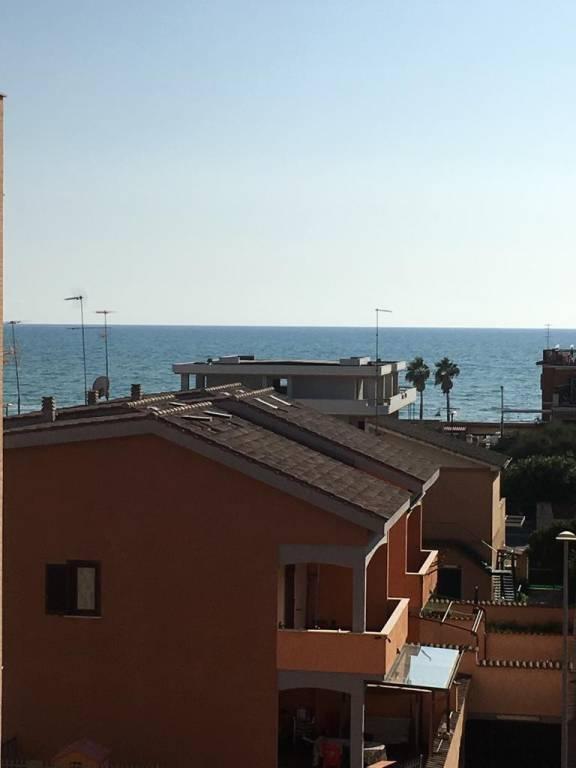 TORVAIANICA CENTRO PC729 Appartamento con balcone vista mare