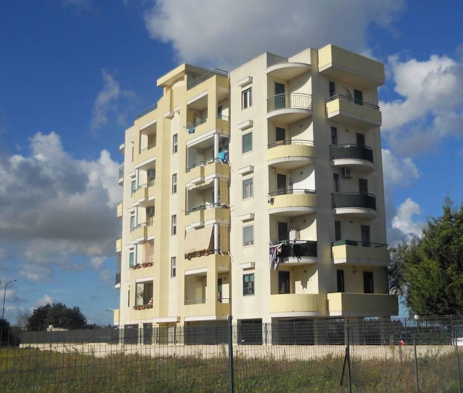 Appartamento in buone condizioni in vendita Rif. 8690589