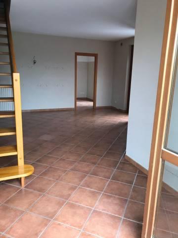 Foto 1 di Appartamento Neive