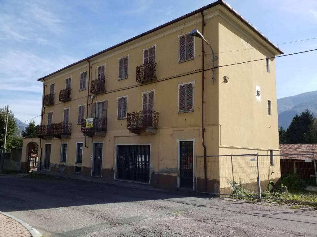 Foto 1 di Palazzo / Stabile via Umberto I° 84, Villar Focchiardo
