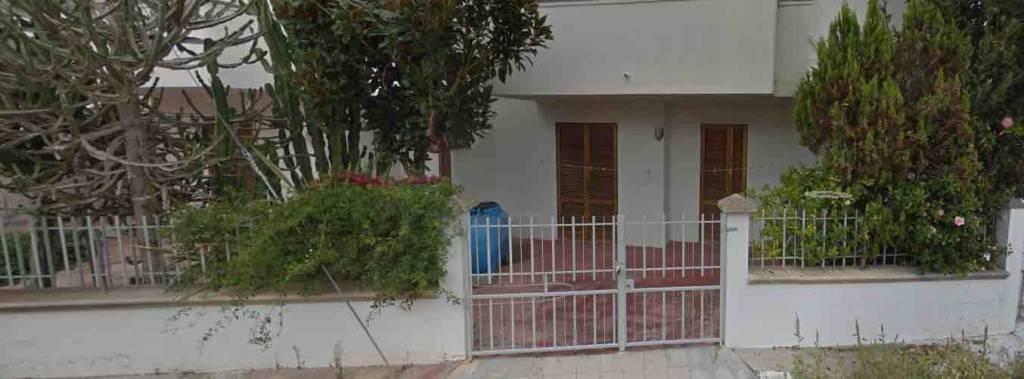 Appartamento in buone condizioni arredato in vendita Rif. 8689127