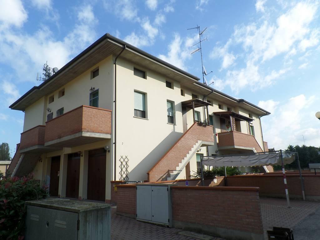 Appartamento in buone condizioni in vendita Rif. 8692307