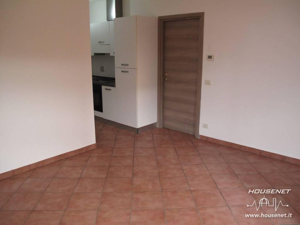 Appartamento in ottime condizioni in vendita Rif. 8690100