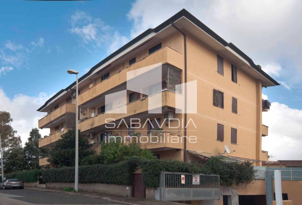 Appartamento in buone condizioni in vendita Rif. 8688449
