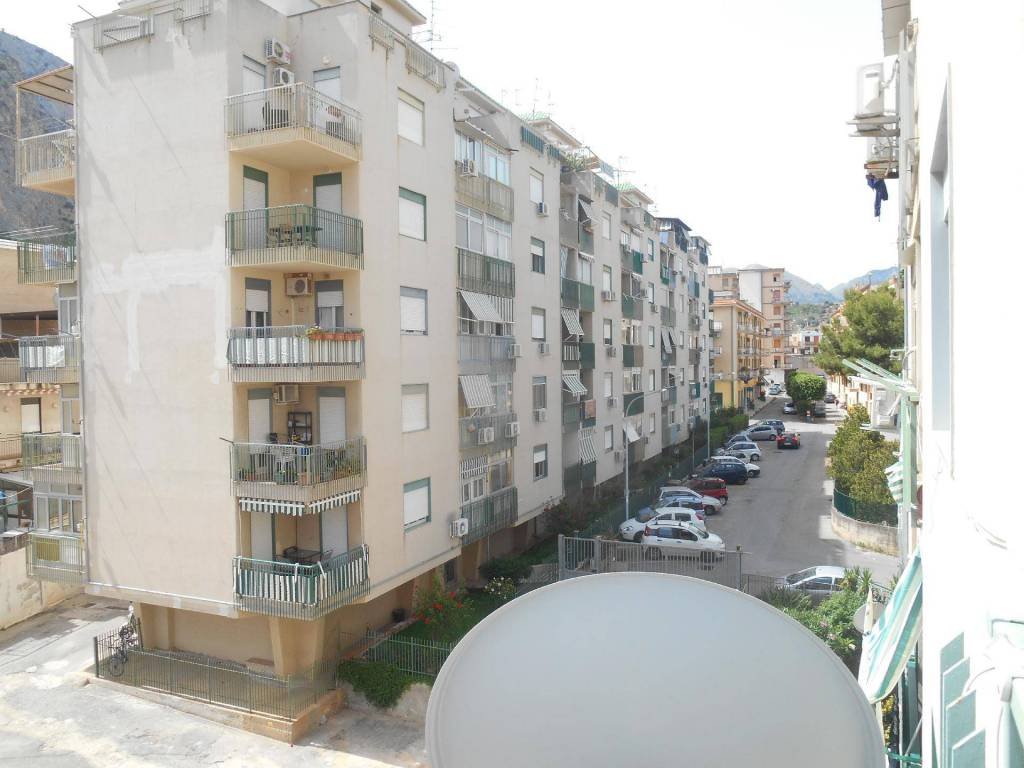 Appartamento in buone condizioni in vendita Rif. 8692754