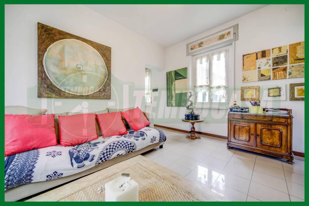 Appartamento in buone condizioni in vendita Rif. 8694328