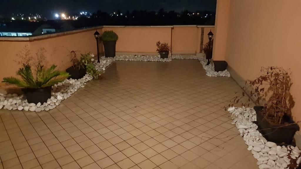 Attico / Mansarda arredato in affitto Rif. 8691811