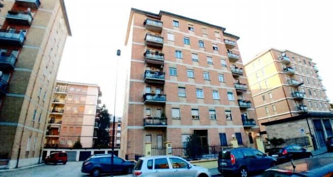 Appartamento in buone condizioni in vendita Rif. 8693710