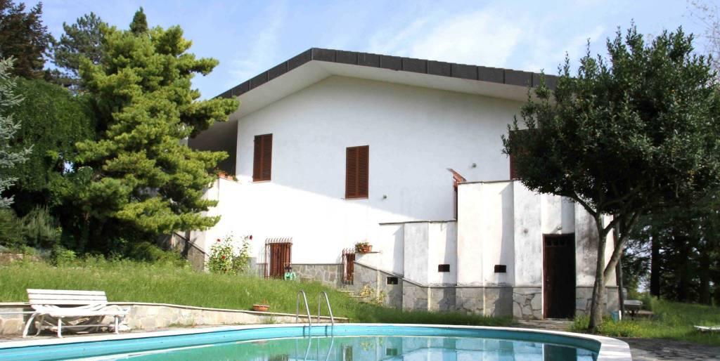 Villa in vendita a Lu, 6 locali, prezzo € 295.000 | CambioCasa.it