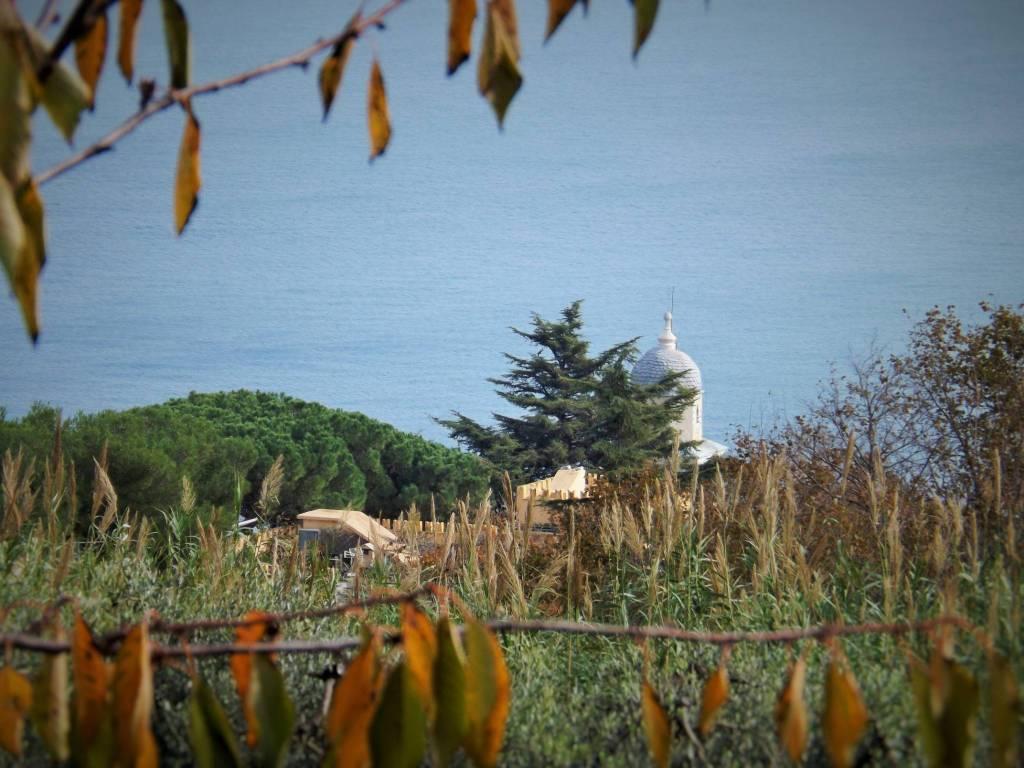 Foto 1 di Villa via Negi 57, Bergeggi