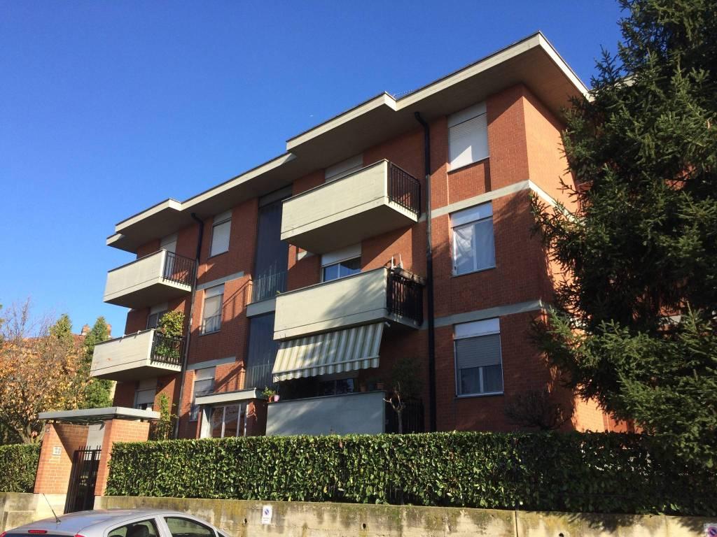 Appartamento in buone condizioni in affitto Rif. 8689204