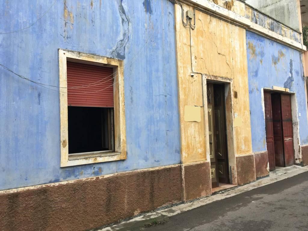 Appartamento da ristrutturare in vendita Rif. 8721275