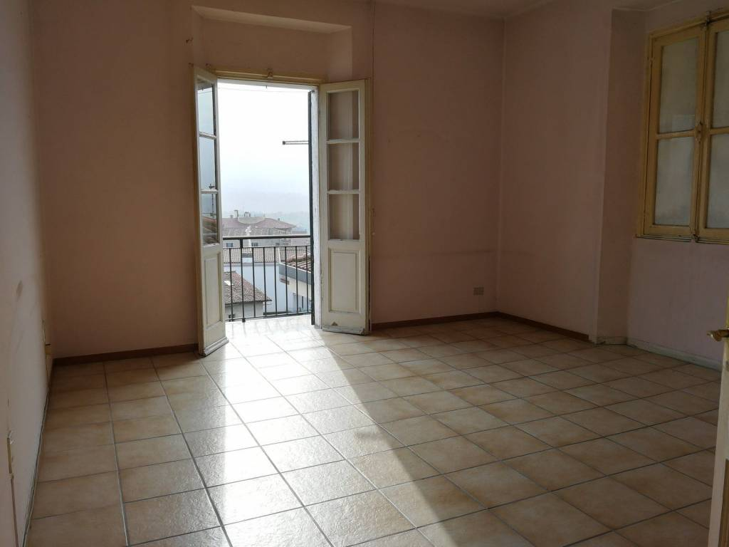 Appartamento da ristrutturare in vendita Rif. 8521987