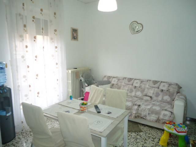 Appartamento in buone condizioni in affitto Rif. 9147789