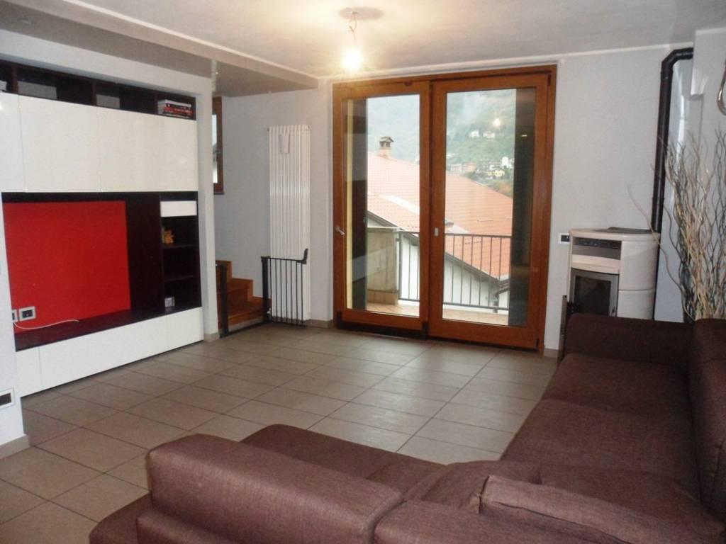 Appartamento in ottime condizioni parzialmente arredato in affitto Rif. 9362963