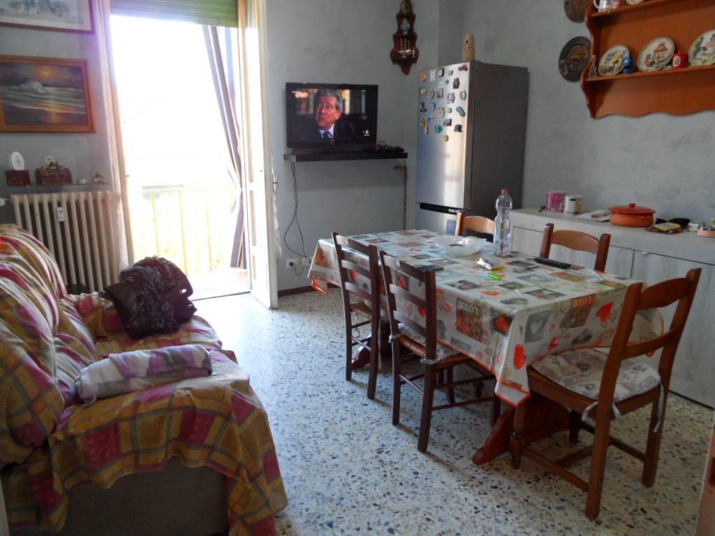 Appartamento in ottime condizioni in affitto Rif. 8593259